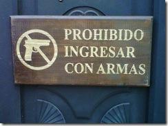 Puerta de cceso a un comercio en Guatemala